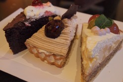 ケーキ3つ