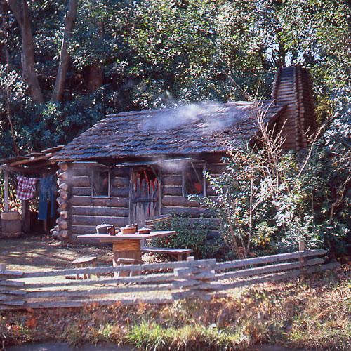 燃える小屋