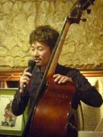 b佐々木研太さん。今回のライブコーディネーター