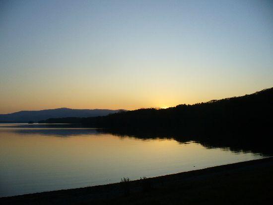 夕暮れの大沼湖畔