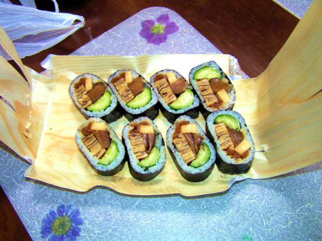 縮小 縮小 巻き寿司