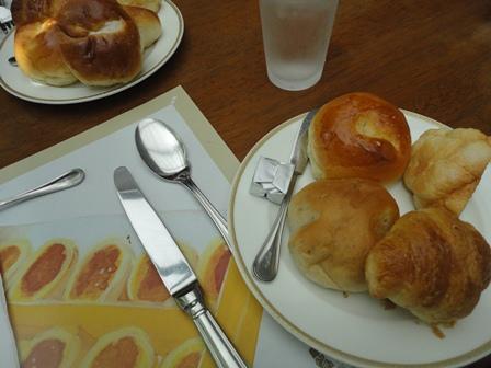 ベーカリーレストラン サンマルク パン (1)