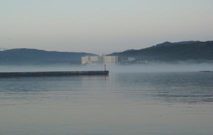 海面の朝靄