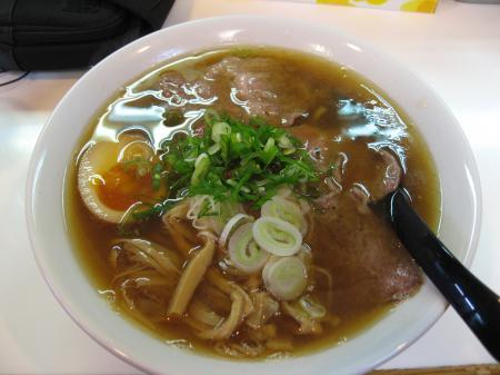 牛骨魚介拉麺