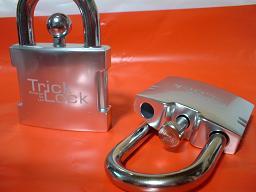 TrickLocks002