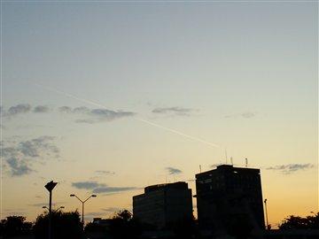 夕空と飛行機雲