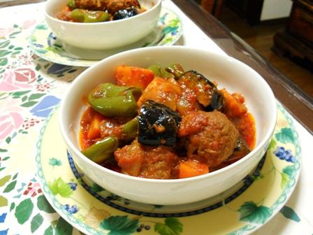 野菜とミートボールのトマト煮