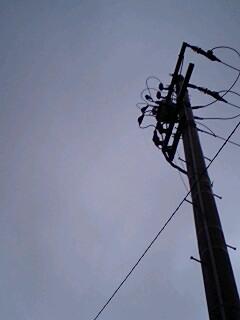 電柱黒リ空