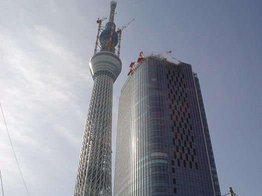 東京スカイツリーの様なハート&ハートのタワーワッフル013