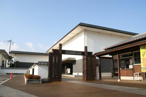 刀剣博物館外観_旅ネットresize