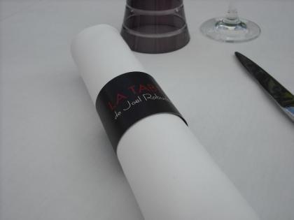 LA TABLE.JPG