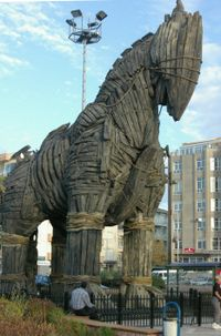 200px-Trojan_horse_C387anakkale.jpg