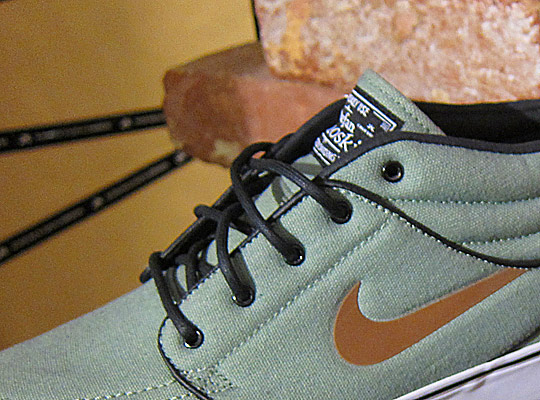 Nike-SB-Stefan-Janoski-Fall-2011-Sneakers-08.jpeg