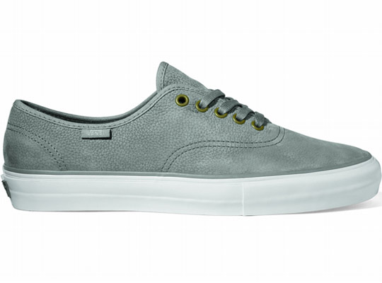 Vans-Vault-Spring-2011-Authentic-One-Piece-LX-Sneakers-03.jpeg