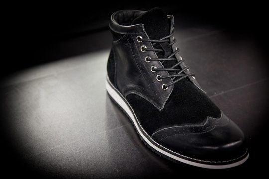 black-scale-sneakers-4.jpg