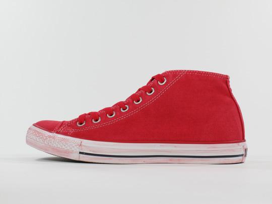 converse-chuck-taylor-mid-sneakers-1.jpg