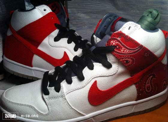 nike-sb-dunk-high-cheech-and-chong-2_convert_20110328224230.jpg