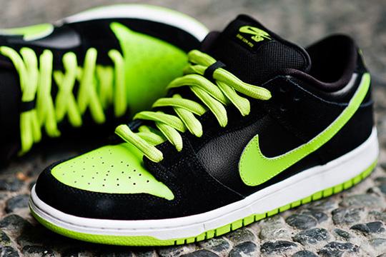 nike-sb-sneakers-neon-1.jpg
