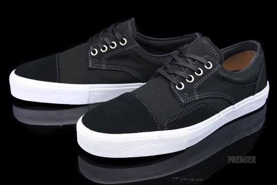 vans-canvas-collection-03-570x381.jpg