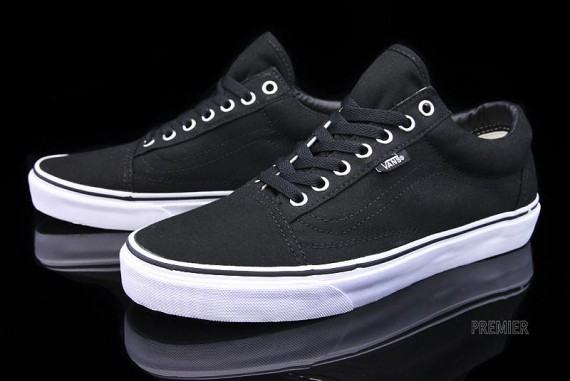 vans-canvas-collection-07-570x381.jpg