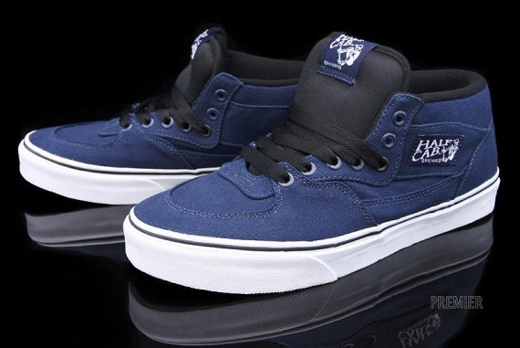 vans-canvas-collection-08-570x381.jpg
