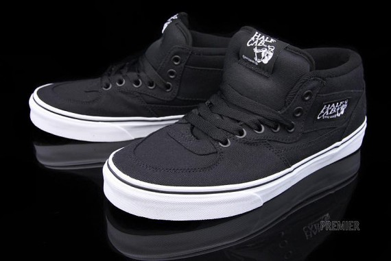vans-canvas-collection-09-570x381.jpg