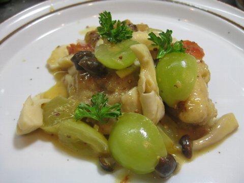 鶏と茸と葡萄の煮込み