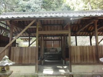 線路神社3