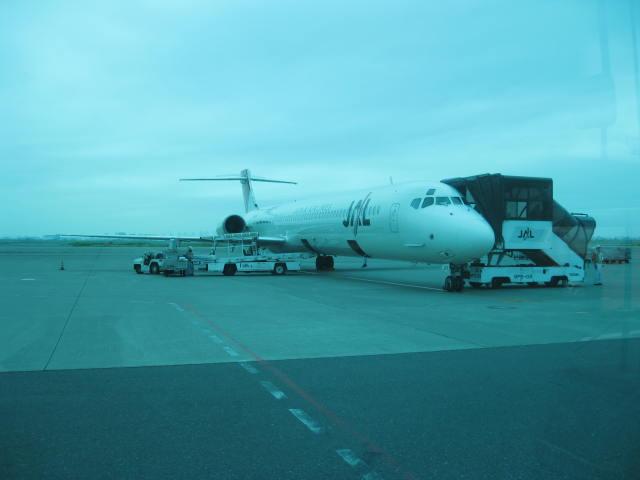 MD-90 2011