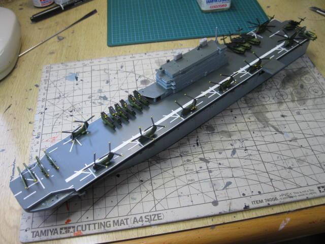 LHA-1 USS TARAWA の10
