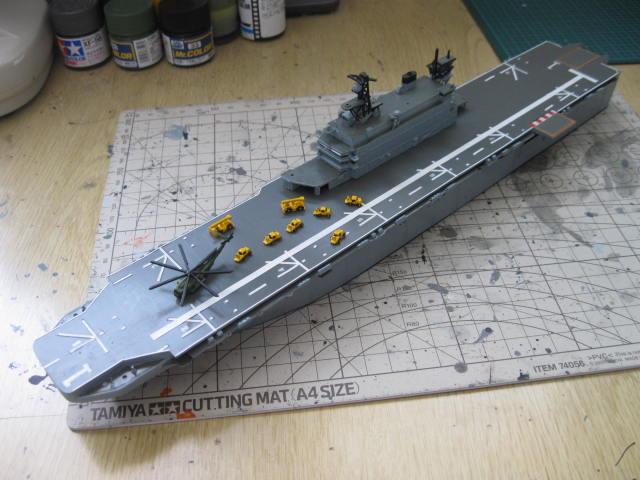 LHA-1 USS TARAWA の12