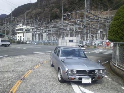 マツダルーチェロータリーエンジン搭載車と佐久間発電所