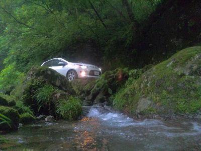 DE マツダデミオスポルト・渓谷へ