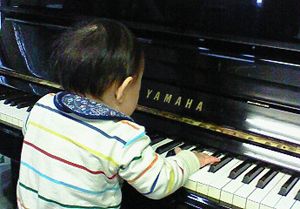 110330初めてのピアノ
