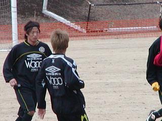 練習中の鈴木選手