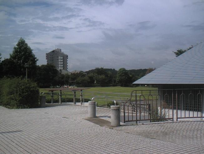 鶴牧西公園  (多摩市)