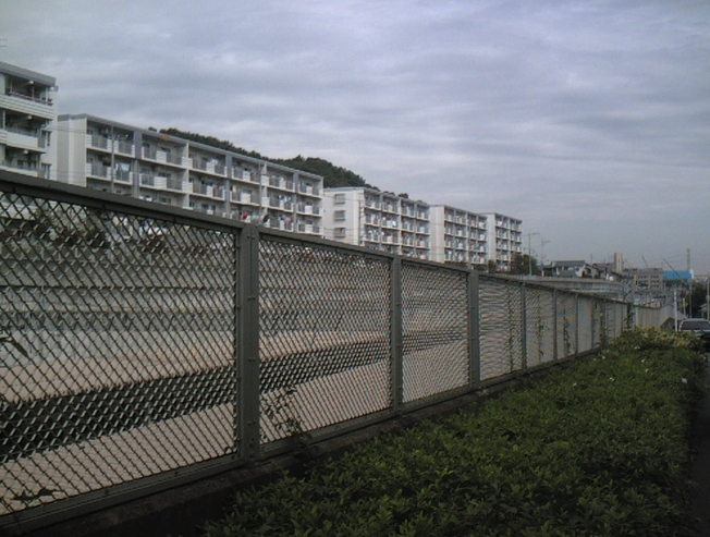 唐木田駅周辺  (多摩市)