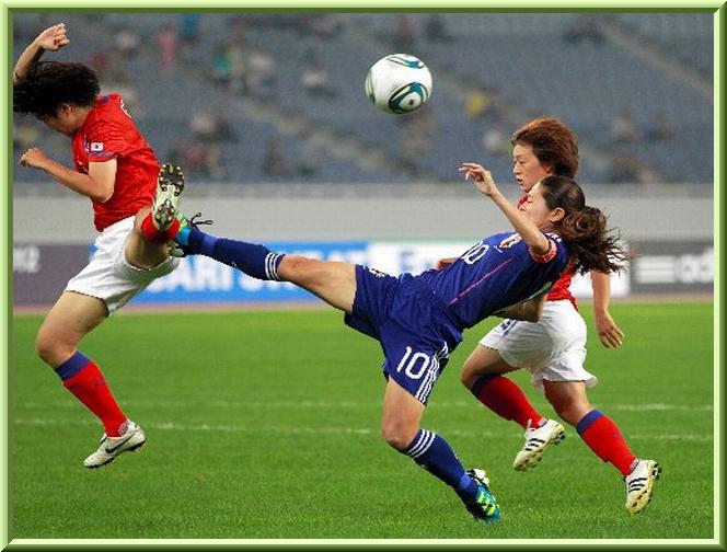 ○5草色細い枠サッカー