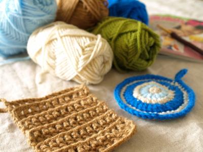 アクリル100%毛糸で編みもの