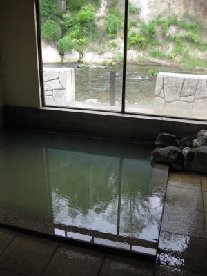 滝の湯旅館の女湯(西山温泉)