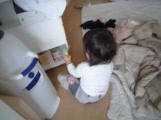 110219_缶を出してしまう (2)