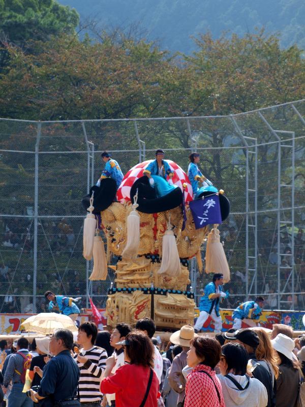 新居浜太鼓祭り 山根グラウンド 中萩地区太鼓台 入場