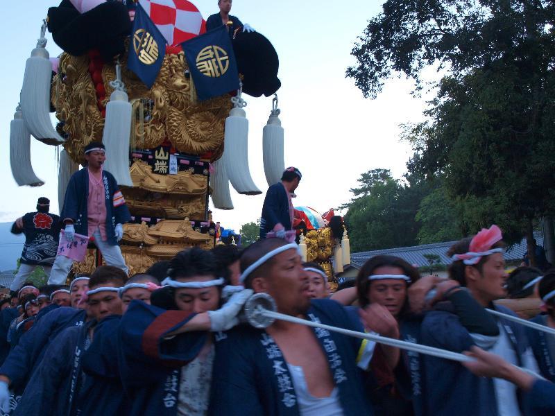 新居浜太鼓祭り 八旗神社かきくらべ 山端太鼓台