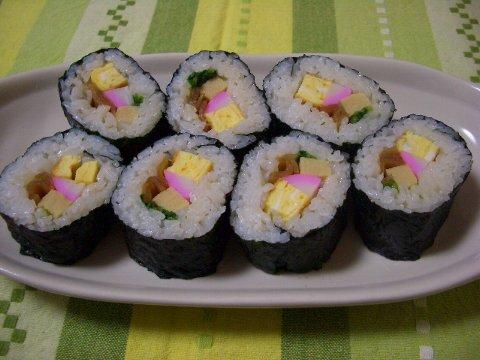 おばあちゃんの巻き寿司♪