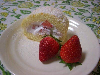 イチゴのロールケーキ♪