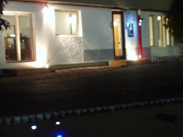 事務所外夜2