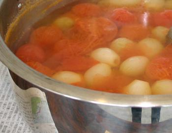 とまとと小たまねぎのスープ