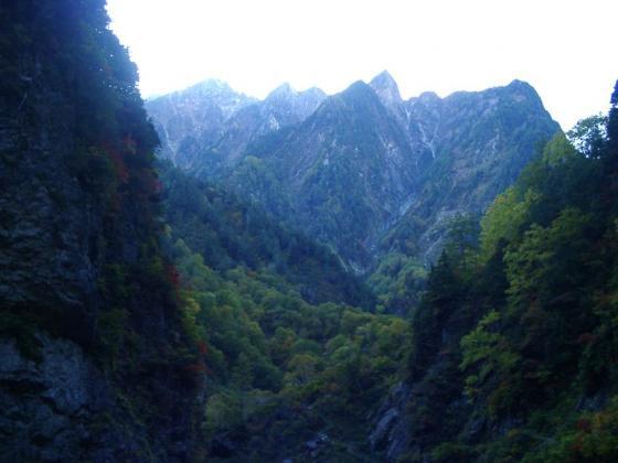 鋭利な岩峰