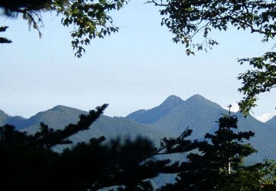 092004笊ヶ岳