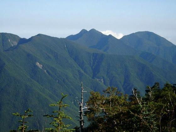 092005笊ヶ岳と布引山